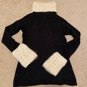 Tory Burch turtle neck sweater small